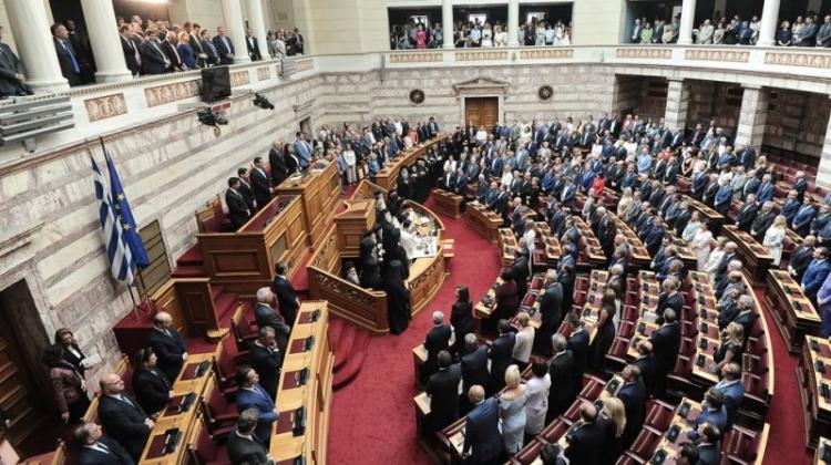 Ορκίστηκαν οι 300 βουλευτές της νέας Βουλής