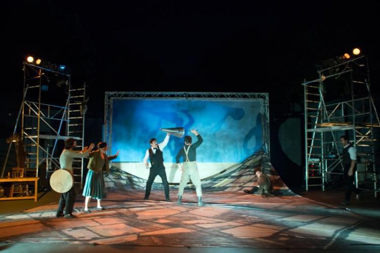 «Το χώμα βάφτηκε κόκκινο» από το Θεσσαλικό Θέατρο στη Νάουσα