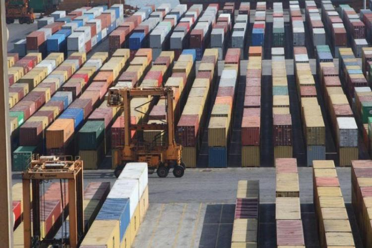 ΕΛΣΤΑΤ : Πτώση σε εξαγωγές και εισαγωγές τον Ιούνιο