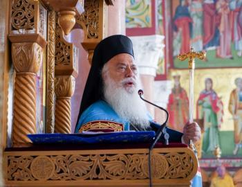 Παρακλήσεις της Παναγίας από τον Σεβασμιώτατο στο χωριό Άγιος Γεώργιος και στην Ι.Μ.Αγίας Κυριακής Λουτρού