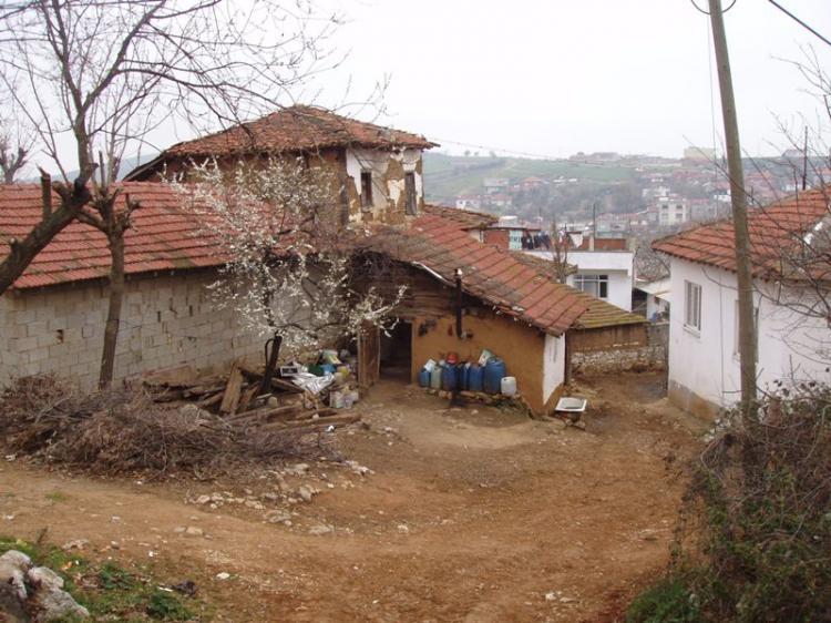 Ένα ταξίδι στην αντίπερα όχθη, στα Ελληνικά χωριά της Προύσας, στην Κήδεια