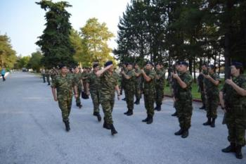 Αλλαγές στη στρατιωτική θητεία και μια σειρά μέτρων στις Ένοπλες Δυνάμεις