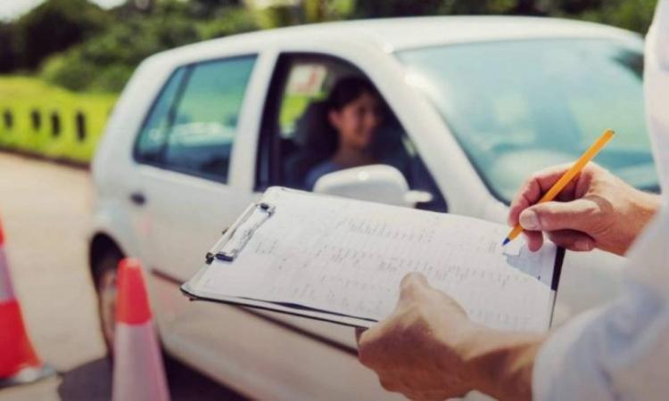 Επανέρχεται το παλαιό σύστημα εξετάσεων για δίπλωμα οδήγησης