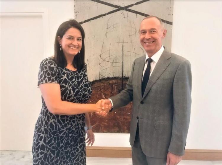 Η Υπουργός Παιδείας και Θρησκευμάτων κ. Ν.Κεραμέως συναντήθηκε με τον Πρέσβη της Ρωσικής Ομοσπονδίας κ. Α.Μάσλοβ