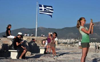 ΙΝΣΕΤΕ : Η θετική επίδραση του τουρισμού στην απασχόληση