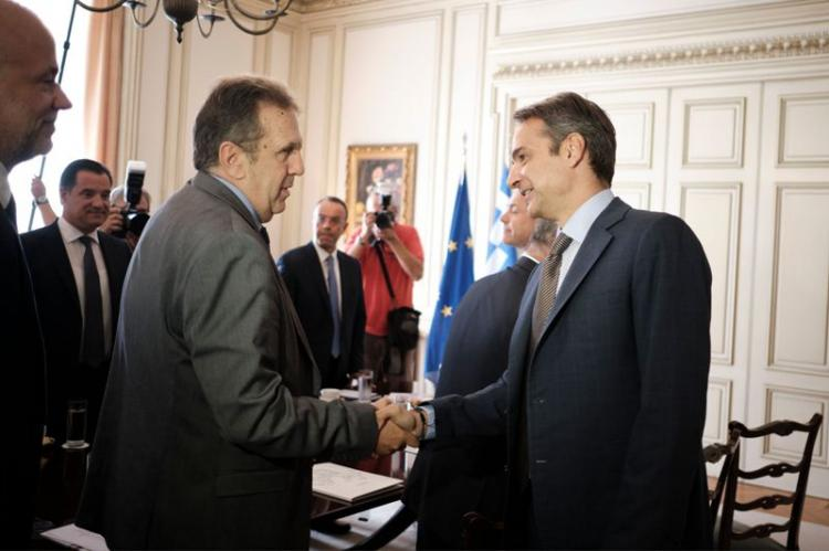 Γιώργος Καρανίκας : Με το «σπαθί» του στην ηγεσία του ελληνικού εμπορίου!