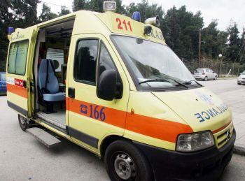 Τραυματισμός ηλικιωμένου, στα 30 λεπτά η άφιξη του ασθενοφόρου του ΕΚΑΒ