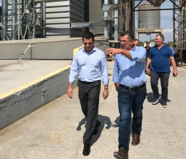 Σκρέκας σε ορυζοπαραγωγούς στη Χαλάστρα Θεσσαλονίκης : «Η καινοτομία ενισχύει την ανταγωνιστικότητα του αγροτικού τομέα»