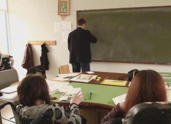 Παρά τις προσλήψεις αναπληρωτών, χιλιάδες τα κενά σε Γυμνάσια - Λύκεια