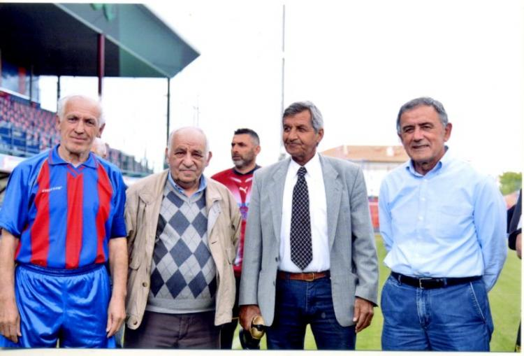Φιλικό για καλό σκοπό μεταξύ των παλαιμάχων ποδοσφαιριστών ΒΕΡΟΙΑΣ και Άρη Θεσσαλονίκης