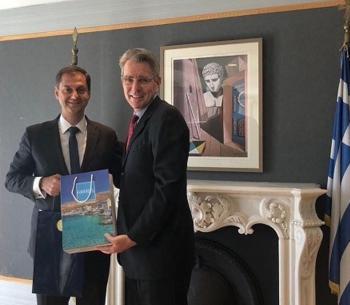 Συνάντηση με τον πρέσβη των ΗΠΑ κ. Geoffrey Pyatt, είχε ο υπουργός Τουρισμού κ. Χάρης Θεοχάρης