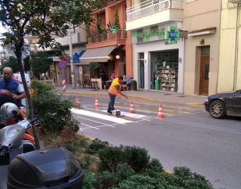 Εργασίες «φρεσκαρίσματος» των διαβάσεων σε δρόμους της Βέροιας