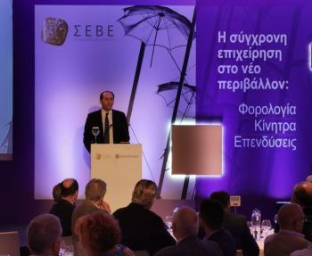 Απ. Βεσυρόπουλος : «Ενισχύουμε τη δυναμική των ελληνικών εξαγωγών με τη μείωση των φόρων και την άρση των γραφειοκρατικών εμποδίων»