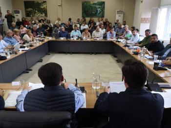 Εξάωρη συζήτηση τεσσάρων, τυπικών, θεμάτων στο δημοτικό συμβούλιο Νάουσας, με εισηγητή τον...τέως δήμαρχο κ. Κουτσογιάννη!
