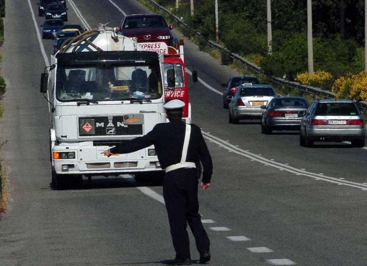 Απαγόρευση κυκλοφορίας φορτηγών ωφέλιμου φορτίου άνω του 1,5 τόνου κατά την περίοδο εορτασμού της 28ης Οκτωβρίου