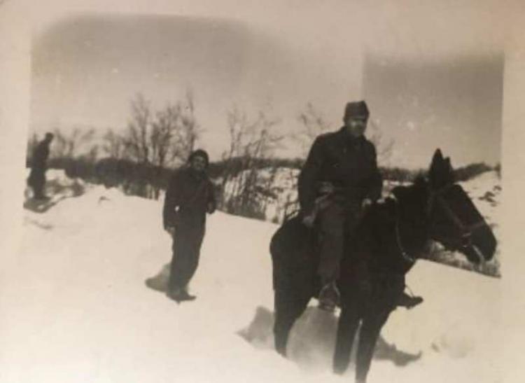 Πολεμιστής στα βουνά της Αλβανίας