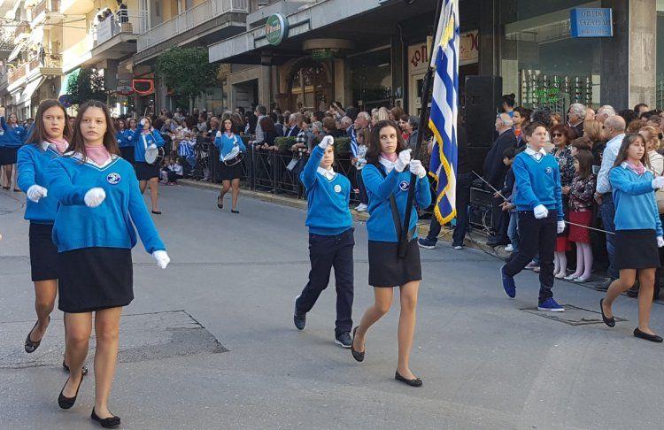 Τα 105α Ελευθέριά της γιόρτασε η Βέροια, ακολούθησε μαθητική και στρατιωτική παρέλαση