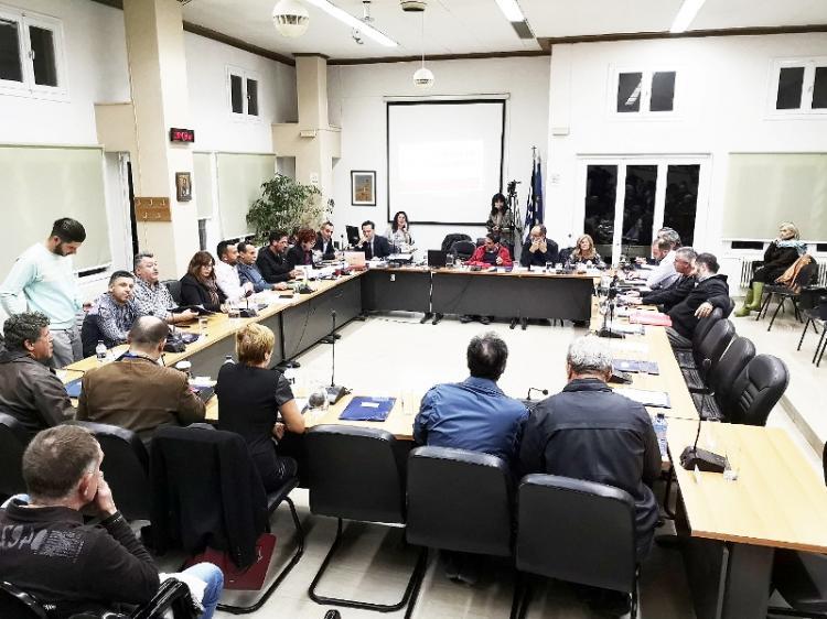 Δημοτικό συμβούλιο Νάουσας : Ήρεμη, αν και...πολύωρη η συνεδρίαση. Εγκρίθηκαν άλλα 2 εκ. ευρώ για το νέο δημαρχείο