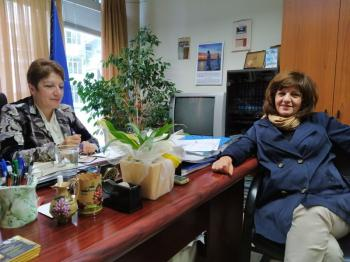 Τα προβλήματα στα γυμνάσια - λύκεια συζήτησε η βουλευτής Φρ.Καρασαρλίδου με τη διευθύντρια Β/θμιας Εκπαίδευσης κα Μαυρίδου