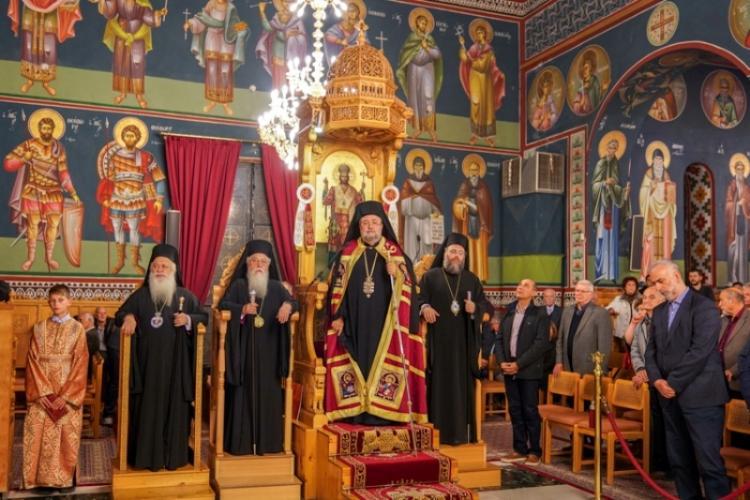 Πολυαρχιερατικός Εσπερινός στον πανηγυρίζοντα Ιερό Ναό του Αγίου Μηνά Ναούσης