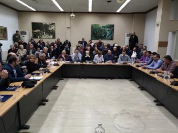Το προσφυγικό ενώνει όλες τις παρατάξεις του Δημοτικού Συμβουλίου Νάουσας