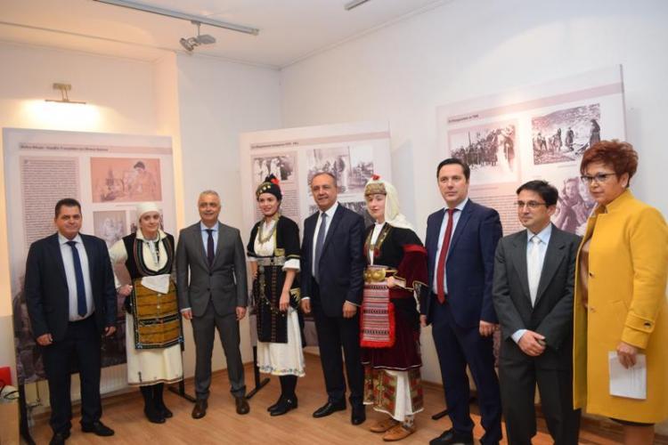 Ο Υφυπουργός Εσωτερικών. κ. Θ.Καράογλου εγκαινίασε στη Νάουσα την περιοδική έκθεση «Η Ελληνίδα στον πόλεμο»