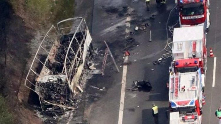 18 νεκροί στη Γερμανία μετά από σύγκρουση τουριστικού λεωφορείου με φορτηγό