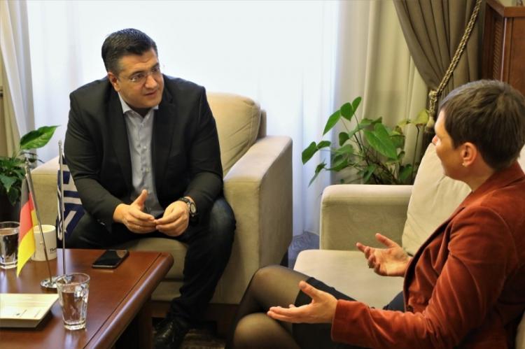 Συνάντηση του Περιφερειάρχη Κ.Μακεδονίας Απ. Τζιτζικώστα με τη Γενική Πρόξενο της Γερμανίας στη Θεσσαλονίκη Σίβυλλα Μπέντικ