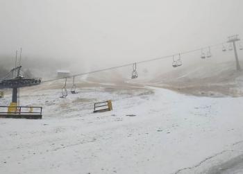 Χιόνια και στα...ημιορεινά, που Χριστούγεννα σημαίνουν!