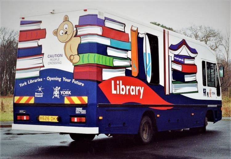Υπογράφτηκε η σύμβαση μεταξύ του Δήμου Αλεξάνδρειας και της ΑΝΗΜΑ Α.Ε. για την προμήθεια και τη λειτουργία Κινητής Βιβλιοθήκης