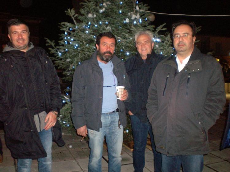 Φωτίστηκε το Χριστουγεννιάτικο δένδρο στη Ν. Νικομήδεια!