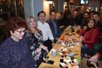 Γιορτινό μεν το κλίμα, ασφυκτικά τα οικονομικά του δήμου, στο «τραπέζι» του Νικόλα Καρανικόλα στους δημοσιογράφους!