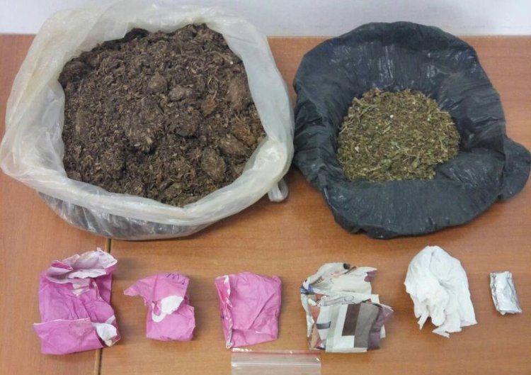 Σύλληψη 48χρονου, είχε στο σπίτι του συσκευασίες και σπόρους κάνναβης και λαθραίο καπνό