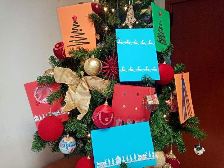 Χριστουγεννιάτικες κάρτες στους ηλικιωμένους του προγράμματος ΒΣΣ Βεργίνας Δεκέμβριος 2019