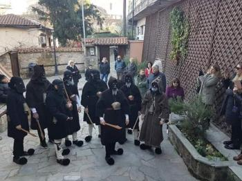 Το έθιμο των Λιγουτσιαρέων αναβίωσε ο Σύλλογος Βλάχων Βέροιας