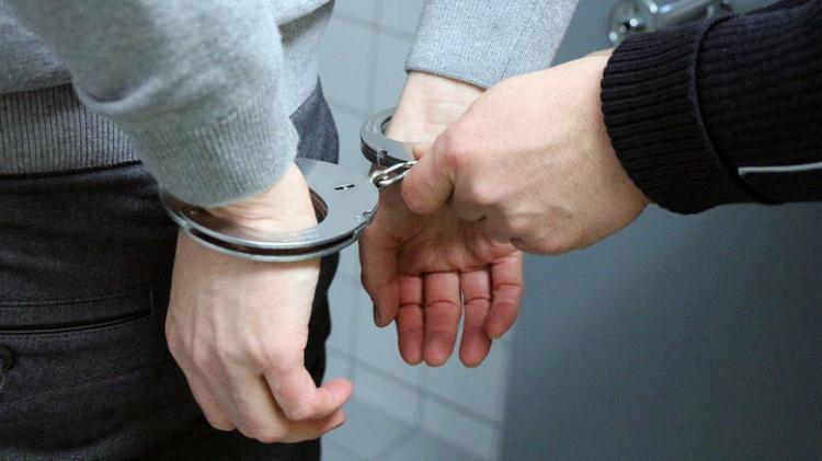 Σύλληψη 37χρονου για απόπειρα διάρρηξης Ι.Χ.Ε. αυτοκινήτου