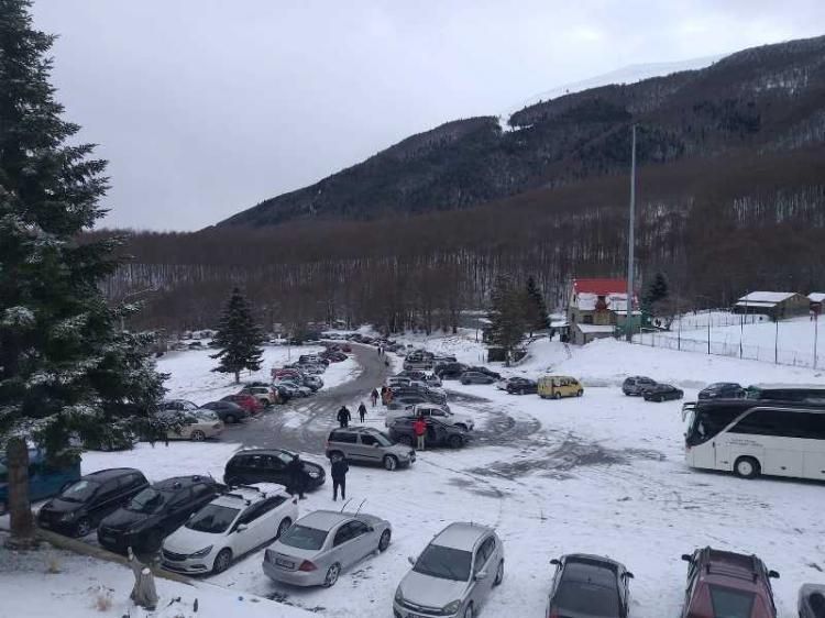 Σε πλήρη ετοιμότητα ο Δήμος Νάουσας στην πρώτη χιονόπτωση στον ορεινό όγκο του Βερμίου