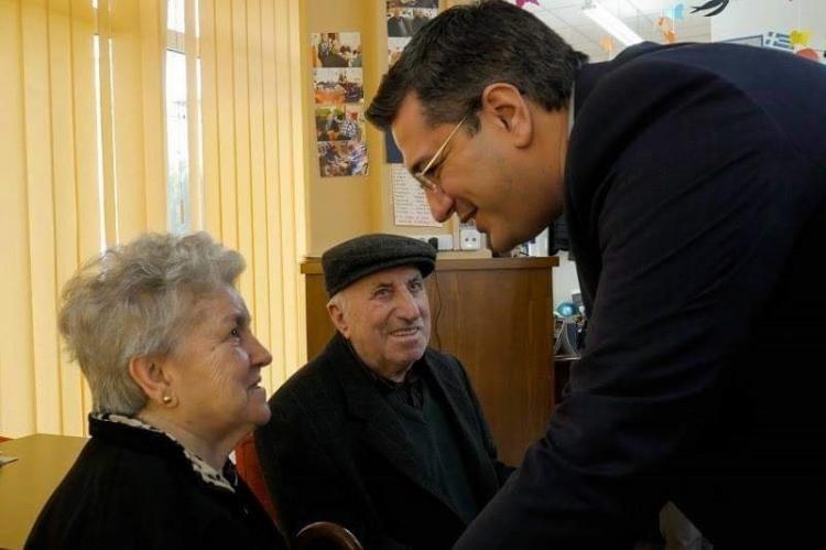Πρόγραμμα παροχής υπηρεσιών αυτόνομης διαβίωσης και ασφαλούς γήρανσης σε 3.000 ηλικιωμένους από την Π.Κ.Μ.