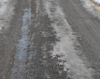 «Ποτίζοντας» τους δρόμους εν μέσω… παγετού!