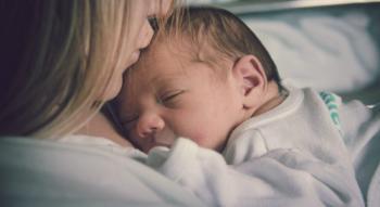 Μιχαηλίδου: Σε δύο δόσεις το επίδομα γέννας
