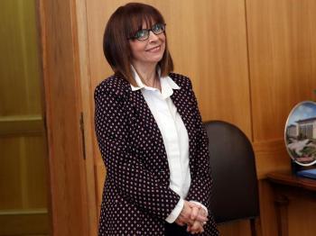 Τα αρειανά αισθήματα της κ. Σακελλαροπούλου, αλλά και ο αριθμός 13 που την ακολουθεί κατά πόδας...