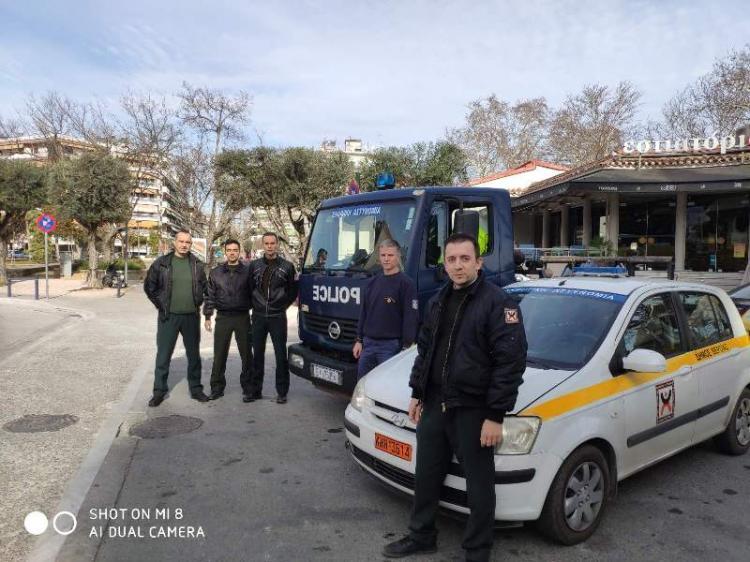Κοινή δράση με το γερανοφόρο όχημα της ΕΛΑΣ πραγματοποιεί η Δημοτική Αστυνομία