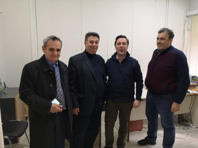 Κλειστή σύσκεψη για τις...πομόνες της Ειρηνούπολης!
