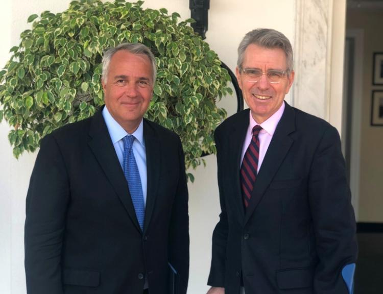 Δασμοί και επενδύσεις στο επίκεντρο της συνάντησης του ΥπΑΑΤ Μ. Βορίδη με τον Αμερικανό Πρέσβη Τζέφρι Πάιατ