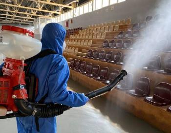 Απολύμανση δημοτικών κτιρίων και σχολείων από το Δήμο Νάουσας