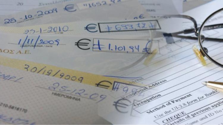 Κοροναϊός : Στον «πάγο» για 75 ημέρες η εξόφληση επιταγών