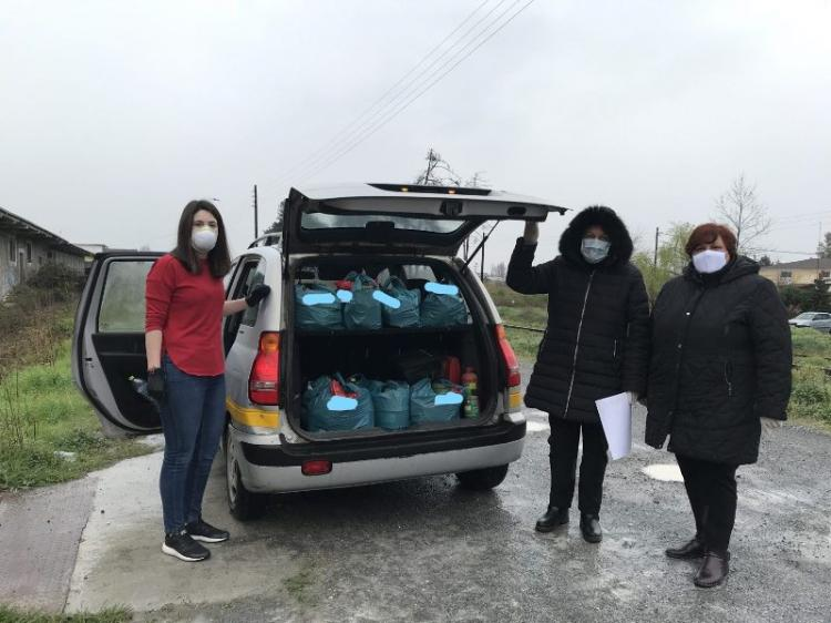 """Κατ' οίκον Διανομή τροφίμων του Κοινωνικού Παντοπωλείου Δήμου Αλεξάνδρειας σε συνεργασία με το """"Βοήθεια στο Σπίτι"""""""