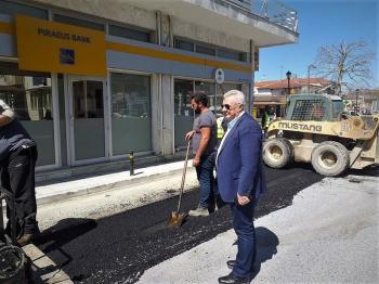 Για την πρόοδο των εργασιών του έργου κατασκευής αποχετευτικού δικτύου στη Δ.Κ. Μελίκης ενημερώθηκε με επίσκεψή του ο Δήμαρχος Αλεξάνδρειας