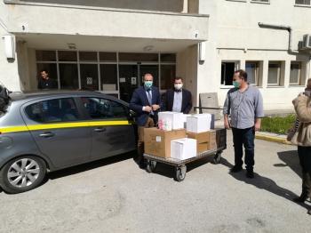 Μάσκες, γάντια και είδη υγιεινής παρέδωσε ο Κ. Καλαϊτζίδης σε Νοσοκομείο, Αστυνομία και Πυροσβεστική της Ημαθίας
