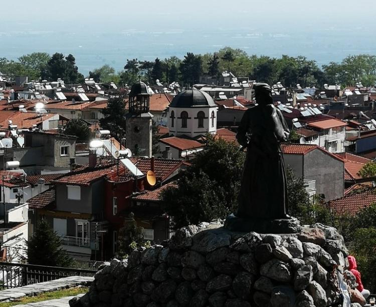 Αράπιτσα αγιοδόχος, Νάουσα πόλη ιερή και ηρωική